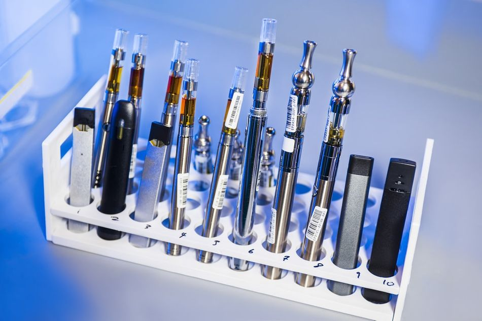 7 Methods to Clean Your Vaping Equipment