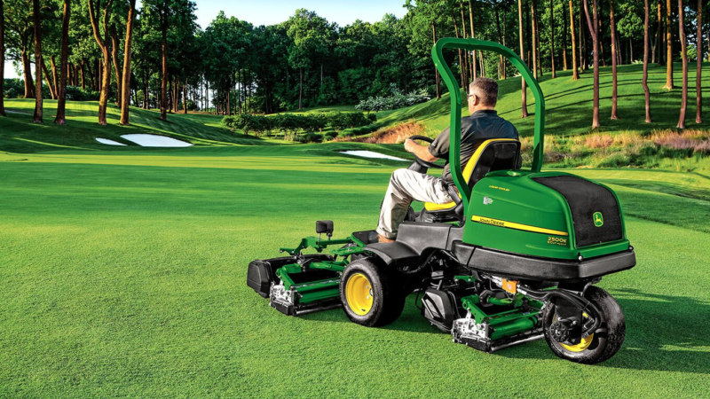 A Handy Guide To Golf Course Maintenance Equipment